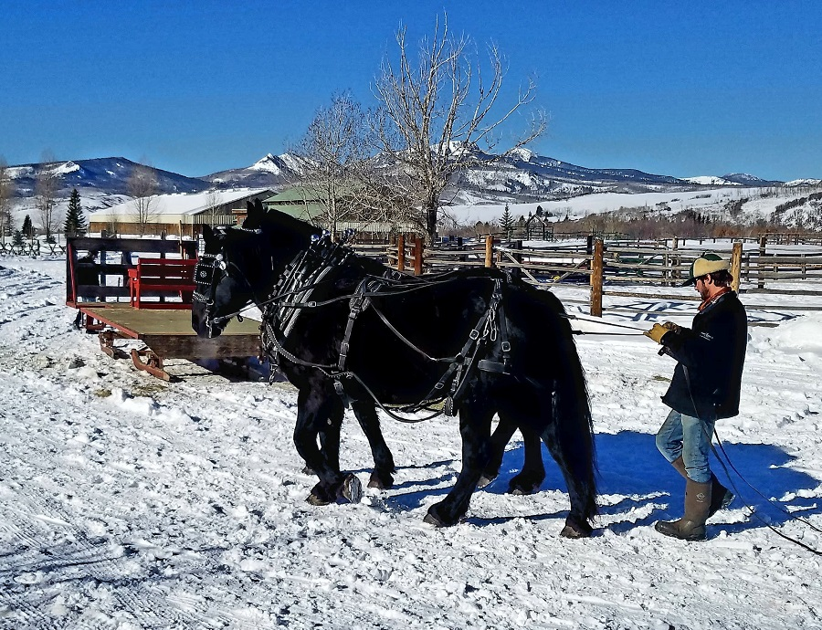 Head over to The Home Ranch in Colorado, a 4,000-acre ranch with a 14-room Relais & Chateaux for your holiday celebrations in 2018 and into 2019. Holiday Events at The Home Ranch in Colorado | What to do at The Home Ranch in Colorado | Where is The Home Ranch in Colorado #travel #holidays #luxury