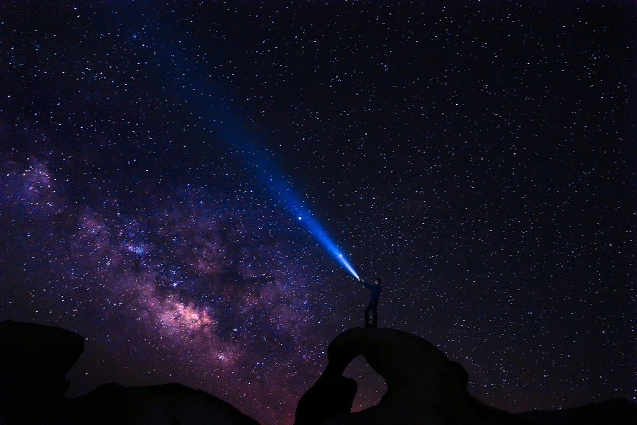 Travel in California or in Colorado to get the best stargazing opportunities during the warm nights of spring and summer. Things to do in California | Where to Stargaze in California | Things to do in Colorado | Where to Stargaze in Colorado | Luxury Travel in California | Luxury Travel in Colorado | How to Stargaze | What is Stargazing