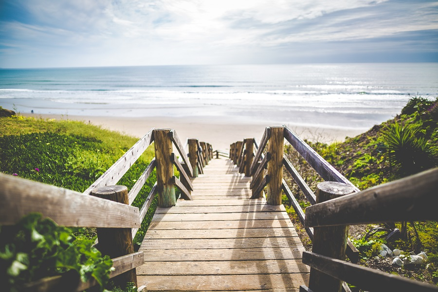 Discover what it takes to become ranked as one of the best ocean beach towns to live in according to a recent WalletHub study. Where to Live | Best Town to Live in | Laguna Beach Facts | Where is Laguna Beach | Why Visit Laguna Beach | Travel Tips | Laguna Beach Travel Ideas