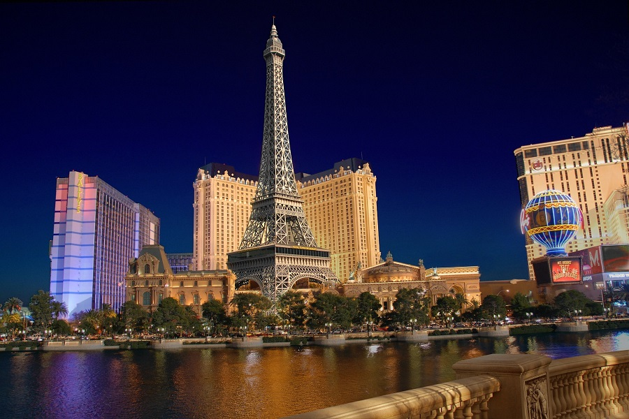 You can soon experience the one of a kind, world-class Majestic Las Vegas which is the ultra-luxury resort hotel that Las Vegas has been waiting for. Where to Stay in Vegas | Las Vegas Travel Tips | Luxury Resorts in Vegas | Luxury Spa in Vegas | Tips for the Vegas Strip | Luxury Travel Tips
