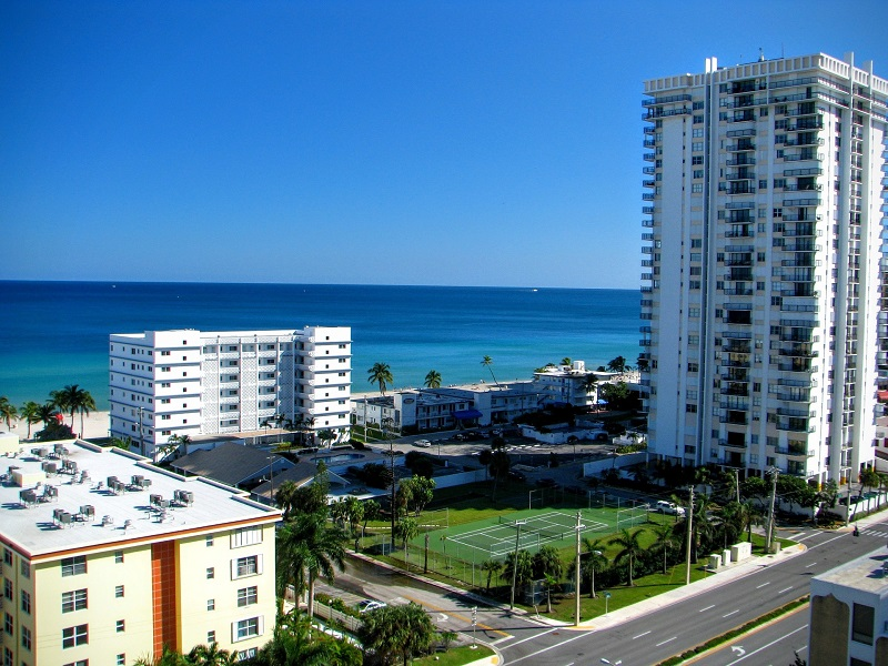 There are beautiful beaches, shopping, dining, family-friendly attractions and unbeatable rates at The Diplomat Beach Resort located in Hollywood, Florida. Travel Tips | Where to Stay in Florida | Vacation Resorts in Florida | Florida Travel Tips | Things to do in Florida #florida #travel